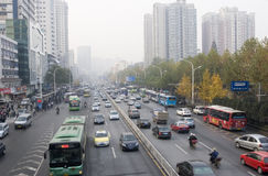 Route urbaine à Wuhan en Chine Image stock