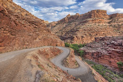 Route venteuse dans Canyonlands Image libre de droits