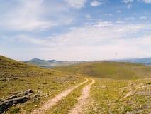 Route vers le lac Photos libres de droits