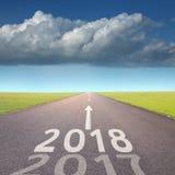 Route vide à 2018 prochain à l'environnement idyllique Image libre de droits