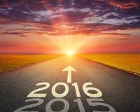 Route vide à 2016 prochain au coucher du soleil Images libres de droits