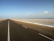 Route vide de désert Image libre de droits