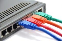 Router und Kabel lizenzfreie stockbilder