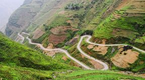 Routes de montagne à la montagne de Dong Van dans Hagiang, Vietnam photo stock