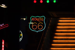routetecken för 66 neon Royaltyfri Fotografi