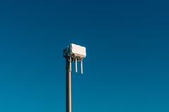 Routeur de wifi de ville L'émetteur de rue du signal d'Internet Photos libres de droits