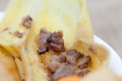 Rouwbandbroodje met varkensvlees Stock Afbeeldingen