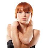 Roux de taches de rousseur de fille de l'adolescence d'été beau Photo libre de droits
