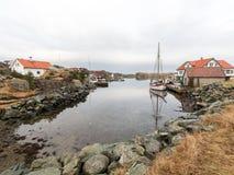 Rovaer в Haugesund, Норвегии - januray 11, 2018: Архипелаг Rovaer в Haugesund, в норвежских шлюпках западного побережья Стоковые Изображения