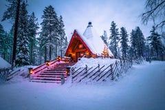 Rovaniemi - 16-ое декабря 2017: Деревня Санта Клауса Rovaniemi, стоковые изображения