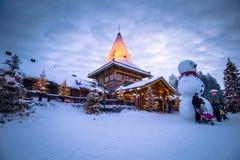 Rovaniemi - 16-ое декабря 2017: Деревня Санта Клауса Rovaniemi, стоковое фото rf