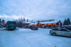 Rovaniemi - 16 décembre 2017 : Village de Santa Claus de Rovaniemi, image libre de droits