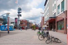 Rovaniemi, Fiński Lapland Finlandia, Czerwiec, - 17, 2015: główna środkowa ulica Koskikatu ja Zdjęcia Royalty Free