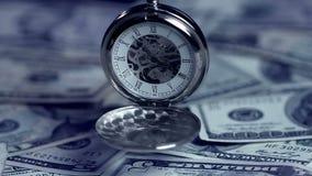 Rovavisningtid, hög av US dollar, annalkande stopptid för lånuttryck stock video