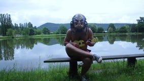 Rovdjurlekar på ukulelet arkivfilmer