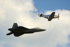 Rovfågel F-22 på den stora New England flygshowen Arkivfoto