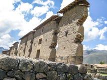 Rovina del tempio di Wiracocha Raqchi Tempio di Viracocha Fotografia Stock Libera da Diritti