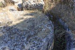 Rovina della colonna greca del tempio - Sicilia, Italia Fotografie Stock