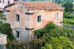 Rovina di vecchio posto di ristoro Fotografia Stock