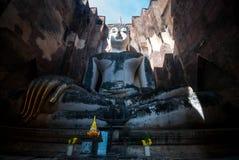 Rovina di Wat Srichum, parco storico di Sukhothai, provincia di Sukhothai, Tailandia fotografie stock libere da diritti
