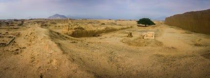 Rovine antiche del monumento di Chan-Chan, Trujillo, Perù fotografie stock