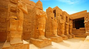 Rovine antiche del tempio di Karnak a Luxor fotografia stock