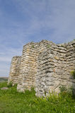 Rovine antiche di una fortezza medievale Immagine Stock Libera da Diritti
