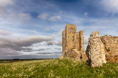 Rovine antiche nel paesaggio rurale di inglese fotografia stock