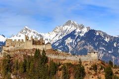 Rovine del castello di Ehrenberg in Reutte, Tirolo, Austria Fotografia Stock