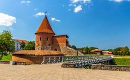 Rovine del castello a Kaunas immagine stock