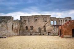 Rovine del castello in Kazimierz Dolny fotografia stock libera da diritti