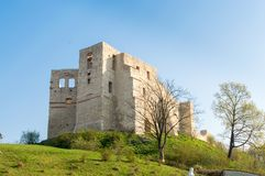 Rovine del castello in Kazimierz Dolny, Polonia fotografia stock libera da diritti