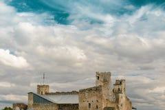 Rovine del castello livone di ordine Rakvere, Estonia Fotografia Stock Libera da Diritti