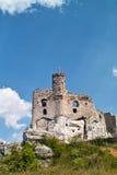 Rovine del castello medievale di Mirow vicino a Czestochowa Fotografie Stock Libere da Diritti