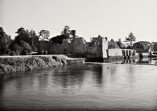 Rovine del castello medioevale immagini stock