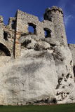 Rovine del castello in Ogrodziencu Immagini Stock Libere da Diritti