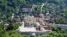 Rovine del castello del paesaggio di Kazimierz Dolny fotografia stock