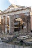 Rovine del portico di Octavia in città di Roma, Italia Fotografia Stock