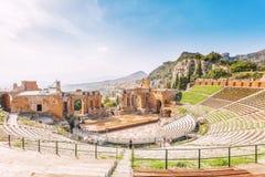 Rovine del teatro greco di Taormina immagini stock