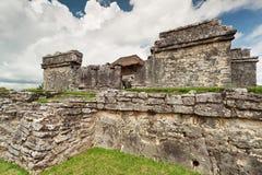 Rovine del tempiale del palazzo in Tulum Fotografia Stock