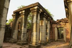 Rovine del tempio di Phimai nel parco storico di Phimai in Nakhon Ratchasima, Tailandia immagini stock libere da diritti