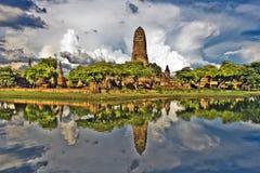 Rovine del tempio di Wat Phra Ram complesse e della sua riflessione Immagine Stock Libera da Diritti