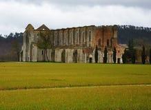 Rovine dell'abbazia dell'Italia fotografia stock libera da diritti