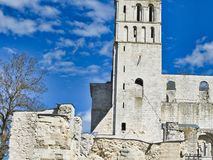 Rovine dell'abbazia di Jumieges in Francia del Nord L'abbazia ? la rovina di un monastero costruito dai canoni regolari nello XVI immagine stock