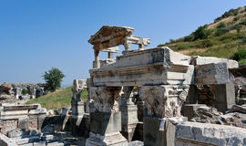 Rovine dell'oggetto d'antiquariato in Ephesus Fotografia Stock