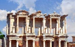 Rovine della biblioteca di Celso in Ephesus, Turchia fotografia stock libera da diritti