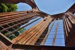 Rovine della chiesa tedesca senza tetto Klosterkirche a Berlino centrale Immagine Stock Libera da Diritti