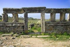 Rovine della città antica di Hierapolis fotografie stock