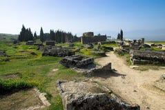 Rovine della città antica di Hierapolis fotografia stock libera da diritti