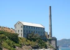 Rovine della pila di fumo di Alcatraz e della Camera di potenza fotografia stock libera da diritti